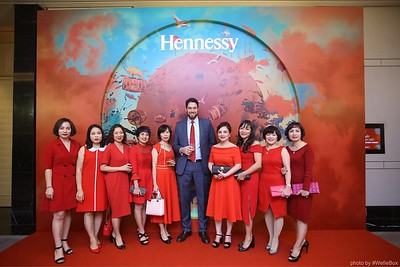 Hennessy-Dinner-Hanoi-WefieBox-Photobooth-Vietnam-Chup-hinh-in-anh-lay-lien-Toan-quoc-023