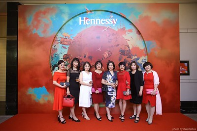 Hennessy-Dinner-Hanoi-WefieBox-Photobooth-Vietnam-Chup-hinh-in-anh-lay-lien-Toan-quoc-025