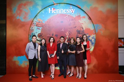 Hennessy-Dinner-Hanoi-WefieBox-Photobooth-Vietnam-Chup-hinh-in-anh-lay-lien-Toan-quoc-037
