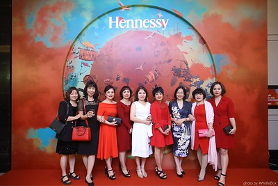 Hennessy-Dinner-Hanoi-WefieBox-Photobooth-Vietnam-Chup-hinh-in-anh-lay-lien-Toan-quoc-027