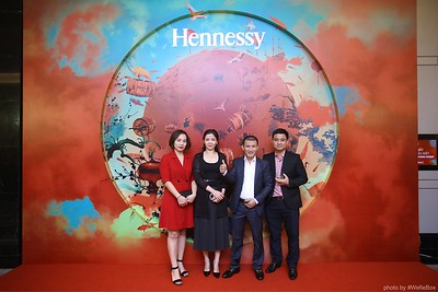 Hennessy-Dinner-Hanoi-WefieBox-Photobooth-Vietnam-Chup-hinh-in-anh-lay-lien-Toan-quoc-043