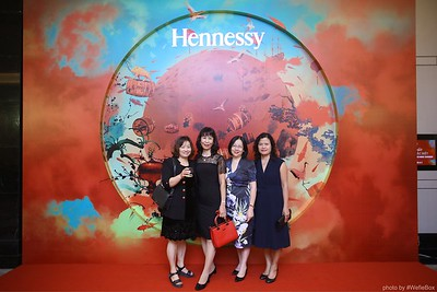Hennessy-Dinner-Hanoi-WefieBox-Photobooth-Vietnam-Chup-hinh-in-anh-lay-lien-Toan-quoc-041
