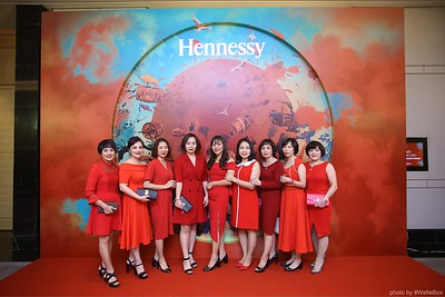 Hennessy-Dinner-Hanoi-WefieBox-Photobooth-Vietnam-Chup-hinh-in-anh-lay-lien-Toan-quoc-022