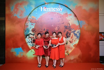 Hennessy-Dinner-Hanoi-WefieBox-Photobooth-Vietnam-Chup-hinh-in-anh-lay-lien-Toan-quoc-047