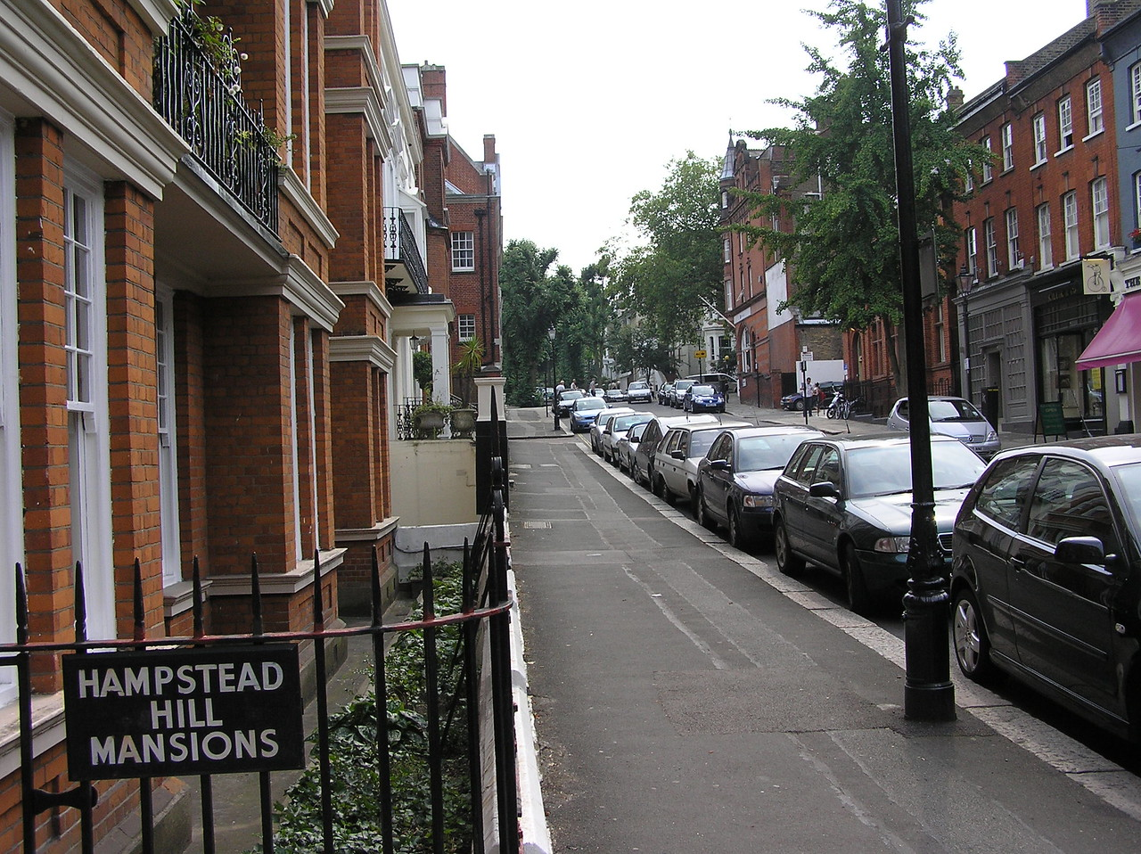 Looking back up towards Hampstead's high street, Jim Henson's house can be seen among the other Hampstead Hill mansions. It is the white one peeking out on the left.