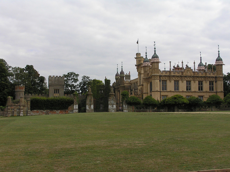 Movie tricks were at work here, making it appear that the Mallory Gallery was just off a main road (recall the Happiness Hotel bus and Beauregard's taxi driving up to the gate). As a stately home, the Knebworth House is actually surrounded by an expansive 250-acre grounds.