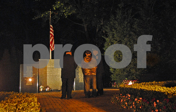 Rockville Centre Village Green, Maple and Lee Avenue, Candlelighting Memorial Service for Families of Victims of 9/11. 7 pm October 21, 2007. Photo by Kathy Leistner
