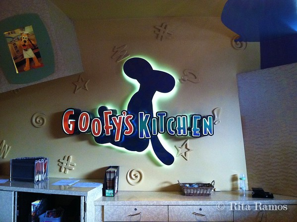 Breakfast at Goofy's Kitchen
