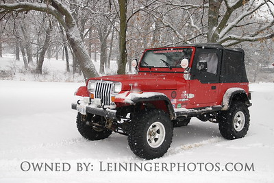 I've got to have the jeep shots....I use them for my desktop background.