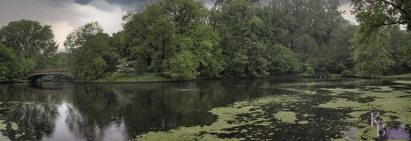 DSC_2252 Lullwater lake in the rain2