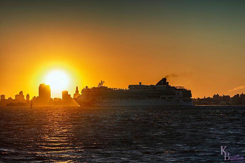 DSC_6354 the Gem sets sail at dawn
