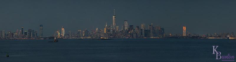 DSC_7850 Manhattan night time skyline (Smug)
