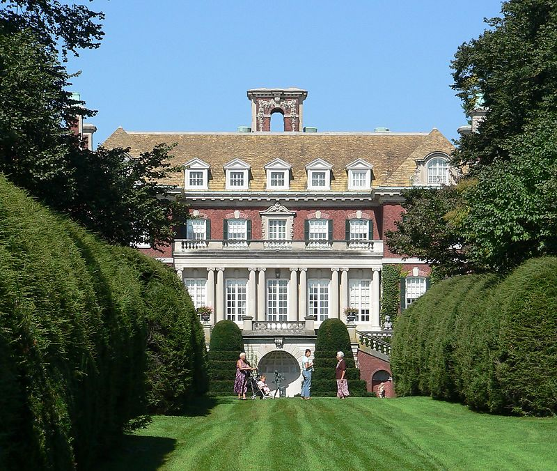 Westbury House. The country estate of John Shaffer Phipps and Margarita Grace Phipps.