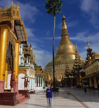 Wandering Magnificent Shwedagon Pagoda