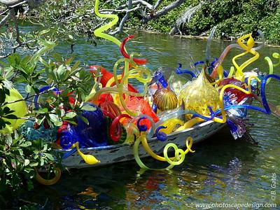 Chihuly at Fairchild - Fairchild Tropical Botanic Garden - Coral Gables - Carnival Boat in Pandanus Lake (April 14, 2006)