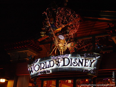 Disney World - Downtown Disney (April 8, 2006)