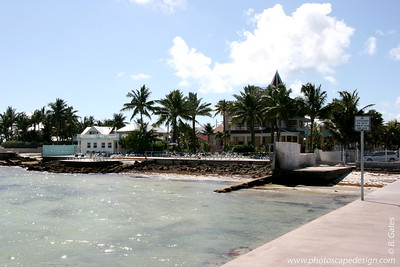 View of the Southernmost House from the pier in front of the Dewey House and La Mer - Key West (June 4, 2008)