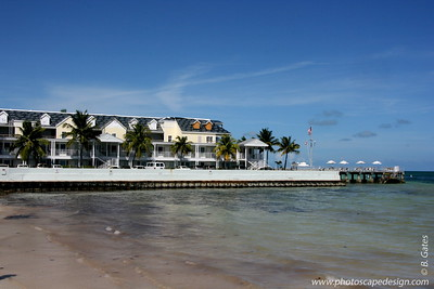 Southernmost Hotel, next to the Dewey House and La Mer - Key West (June 4, 2008)