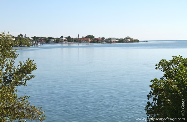 Grassy Key is a small, peaceful Key located just minutes away from the heart of Marathon. The Dolphin Reseach Center, which offers tours, dolphin swims and more, is located on Grassy Key.