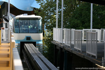Monorail - Seattle (Sept. 7, 2007)