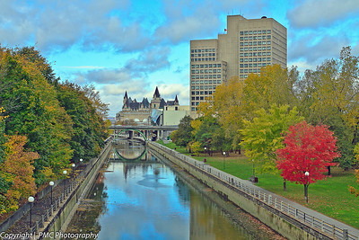 The canal runs through downtown Ottawa