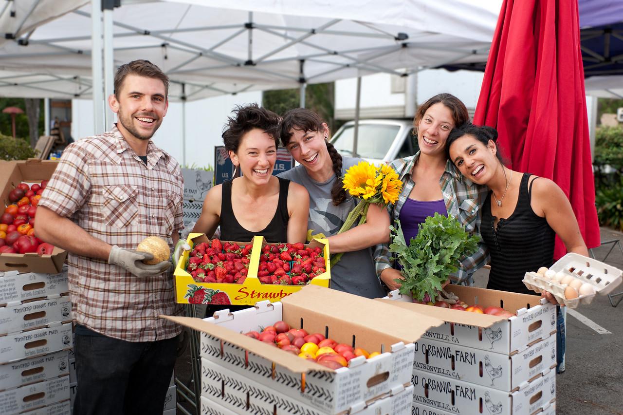 "Mickey Mangan, Gina Bartolacelli, Marisha Doan, Evelyn Williamson and Adriana Silva of Tomatero Farm in Watsonville.<br /> <br /> <a href=""http://www.tomaterofarm.com/"">http://www.tomaterofarm.com/</a>"