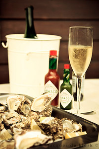 Fresh oysters and Cap Classique!!