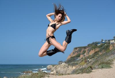 Nikon D800 Photoshoot of Pretty Swimsuit Bikini Model Goddess on Malibu Bluff