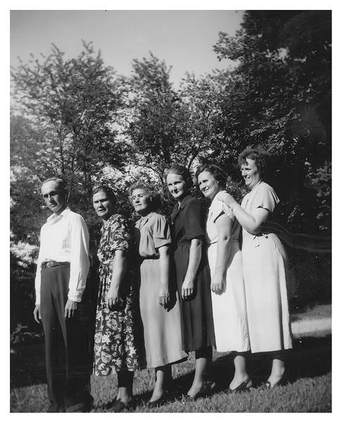 Homer, Pearl, Maud, Vella, Flossie and Dossie Proffitt