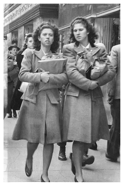 Ruth and Ruby Myers abt 1942