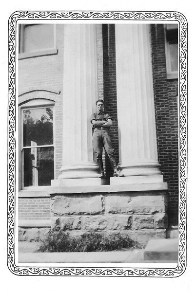 Jesse Millard Myers at McKee county Kentucky courthouse abt 1934 on columns