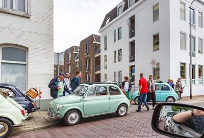 Fiat 500's gestrand op de IJsselkade