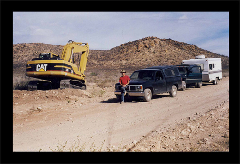Gene Mueller took this shot of me as we were leaving the Agua Nueva nodule dig after a month of mining in 2001. Mining with Gene was one of the greatest adventures of my life and Gene is an outstanding gentleman.