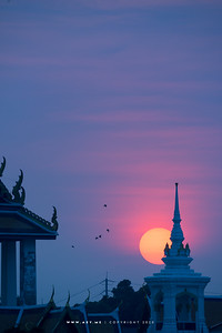 Sunset at Wat Kalayanamitr, and Chao Phraya River