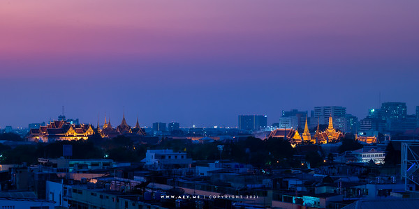 Cityscape of Bangkok view from the Old Siam Plaza