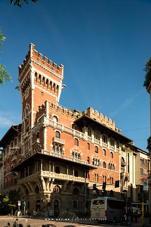 Castello Cova or Palazzo Viviani Cova