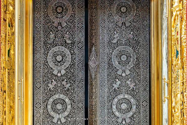 Mother of Pearl Inlay Door, Wat Ratchabophit