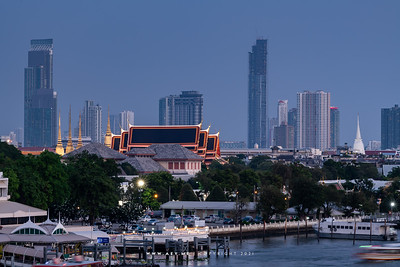 Wat Pho (Wat Phra Chetuphon) & Chao Phraya River view from 342 Bar, Baan Wanglung Riverside