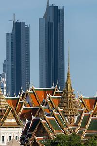 Dusit Maha Prasat Throne Hall, Grand Palace view from 342 Bar, Baan Wanglung Riverside