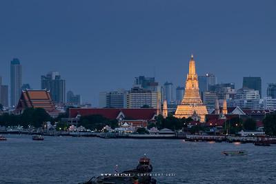 Wat Arun & Chao Phraya River view from 342 Bar, Baan Wanglung Riverside