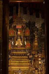 Phra Phuttha Maha Mani Rattana Patimakon (The Emerald Buddha), Wat Phra Sri Rattana Satsadaram (Wat Phra Kaew), Grand Palace