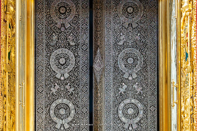 Mother of Pearl Inlay Door, Wat Ratchabophit