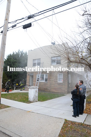 11-24-16 HICKSVILLE FD  PARK AVE house fire