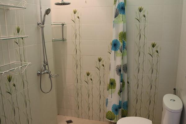 Hidden Cottage Villa Shared Bathroom