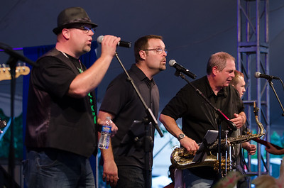 The Sofa Kings rocked their first performance at Musikfest