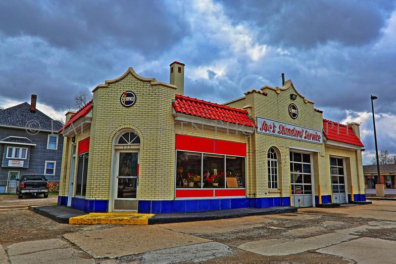 Art Deco Service Station, Monroe, Michigan (HDR)