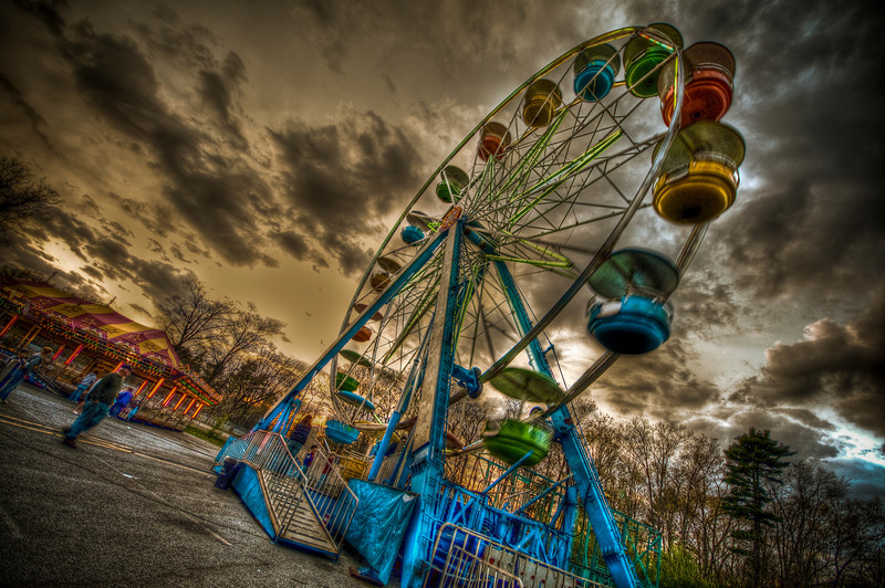 Ferris Wheel at Rockwell Amusements at Silver City Galleria<br /> Taunton, MA<br /> April 20th, 2010