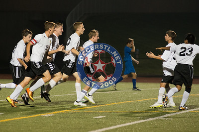 2014-08-28 Duchesne ties Zumwalt East 2-2 in HS Boys soccer Tournament action
