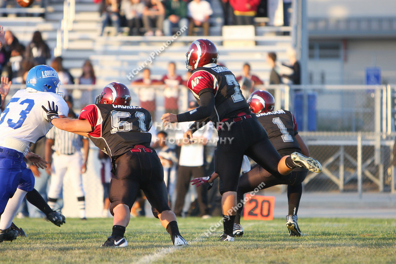 2009_fb_V_nip vs lompoc_016