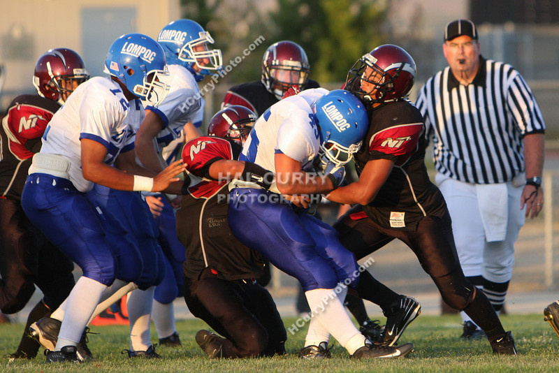 2009_fb_V_nip vs lompoc_023